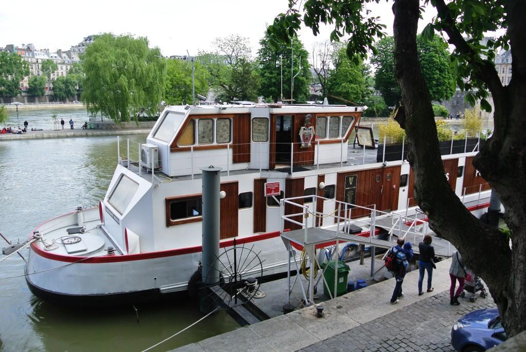 Seine River Sapeurs-Pompiers
